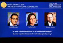 o americano Michael Kremer (dir.) ganharam o Nobel de Economia por trabalhos que ajudam a reduzir a pobreza no mundo.