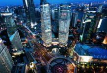 Vista aérea de Shanghai, uma das maiores cidades da China, país que decidiu eliminar uso de plástico até o final de 2025
