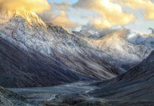 Redução da poluição, por conta do isolamento provocado pelo coronavírus, já deixa visíveis picos do Himalaia em cidades da Índia. Foto - Pixabay