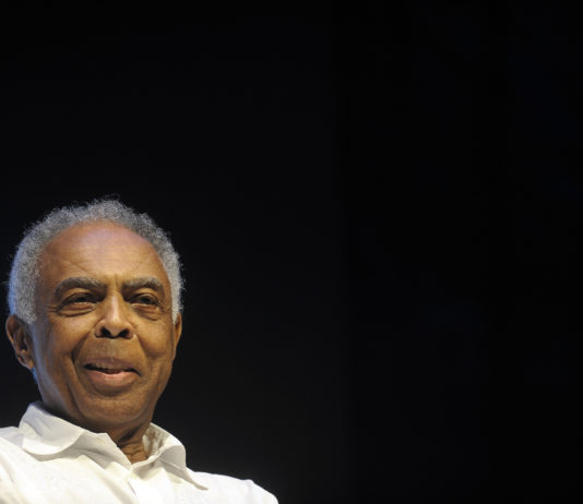 Cantor e compositor Gilberto Gil completa hoje 78 anos e faz live para celebrar e arrecadar recursos para músicos afetados pela pandemia do coronavírus. Foto - Fernando Frazão/Agência Brasil)