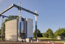 """Impressora 3D gigante """"imprimiu"""" casa de 90 m2 na Bélgica em três semanas. Foto - Kamp C"""