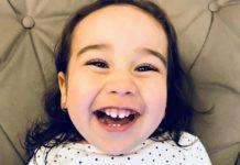 """Marina vai poder tomar o """"remédio mais caro do mundo"""", que custa R$ 12 milhões, para se curar de uma doença rara. Foto - reprodução Instagram - @cureamarina"""